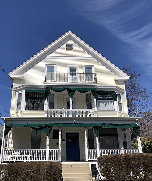 newport blues inn. Black Bedroom Furniture Sets. Home Design Ideas